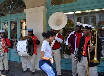 New Orleans street performers