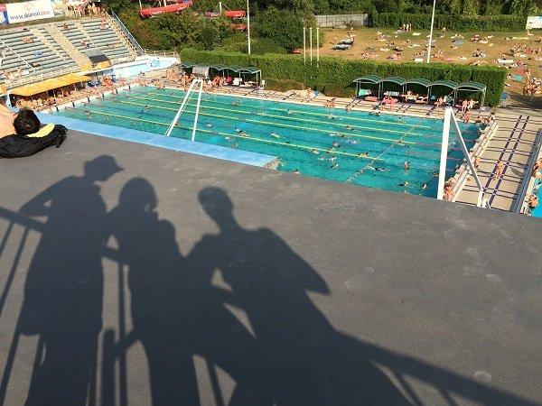 Pool bleachers