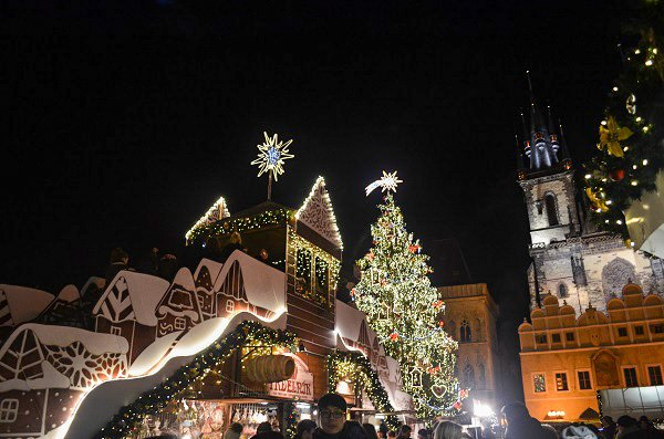 prague fall christmas market