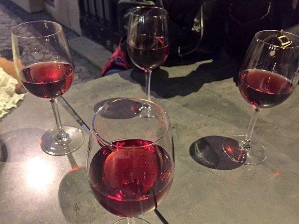 bordeaux nightlife wine bar